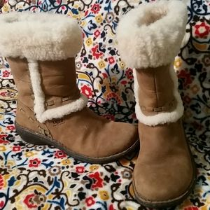 Ugg fussy boots